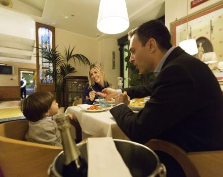 Family Dinner Hotel Artedeco Roma
