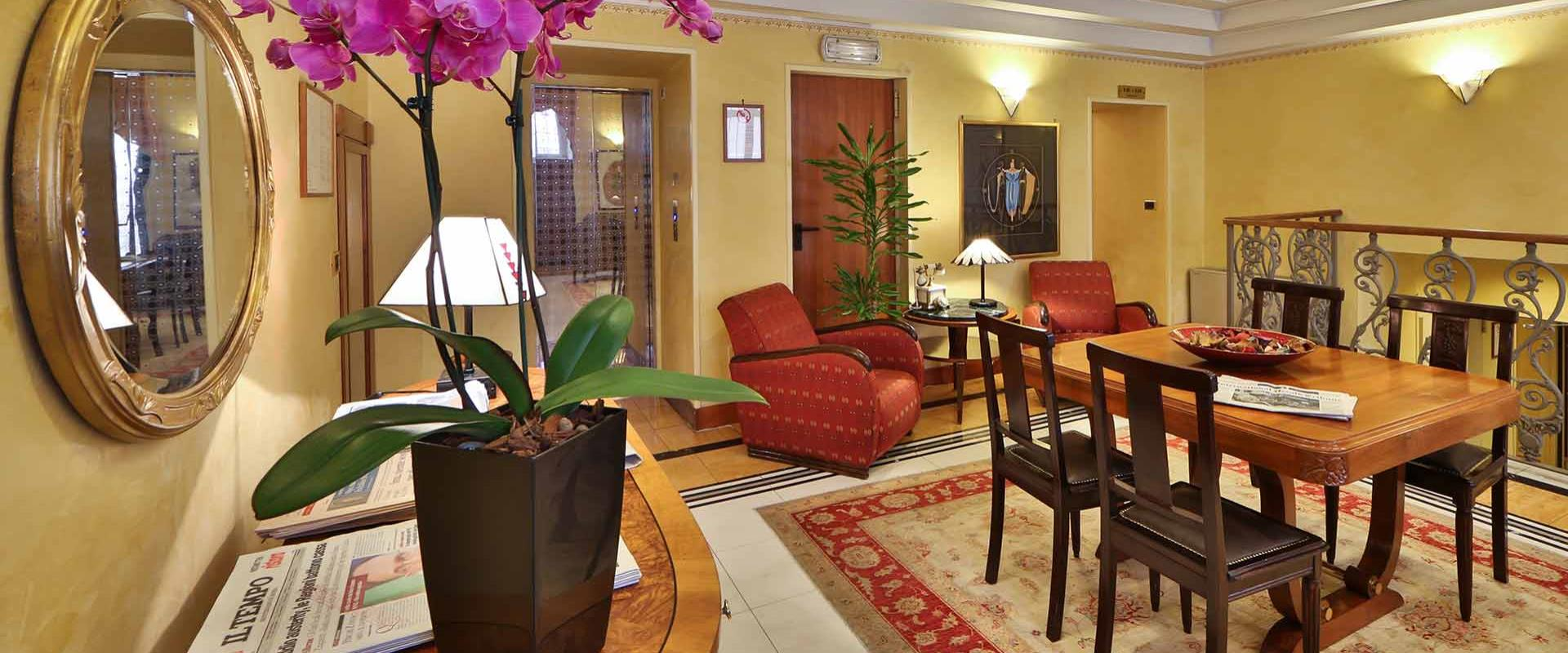 Book your stay in an elegant hotel in the city center of Rome